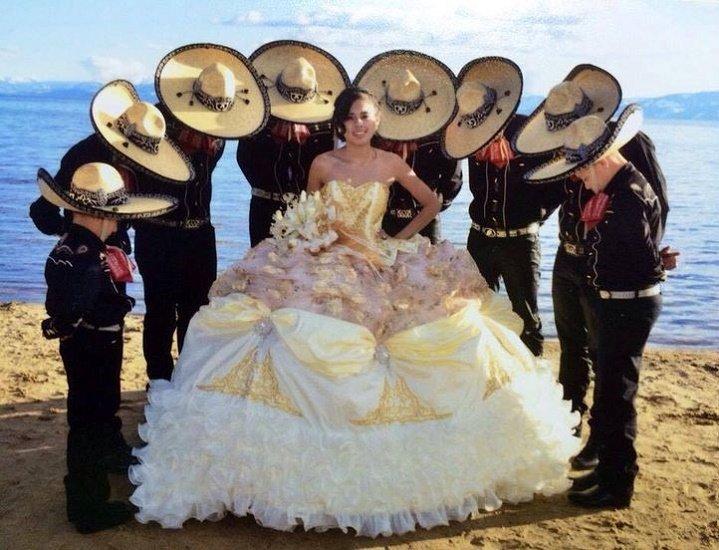Mariachis para cortejo de quinceañera